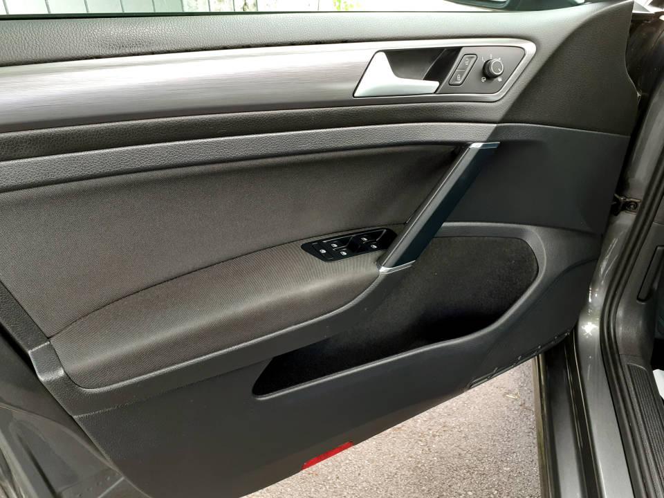 Fotografija za 2223 Volkswagen Golf 7 1.6 TDI DGS Comfortline